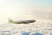 Vlak boven de wolken — Stockfoto