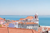 Vista de alfama, Lisboa, portugal — Fotografia Stock