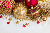Christmas red and golden heart with evegreen tree — Stock Photo