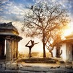 Yoga in Hampi — Stock Photo #57812017