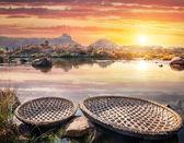 Boats near Hampi river — Stock Photo