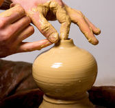 Potter, creating an earthen jar — Stock Photo