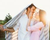 Happy and young pregnant couple — Stock fotografie