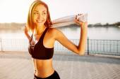 Portrait of an athletic girl. Beautiful young sport fitness mode — Stock Photo