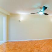 Empty living room — Stock Photo