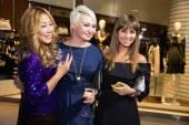 Singer Anita Tsoi, Katya Lel and Yulia Beretta — Stock Photo