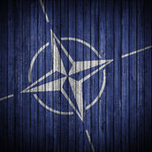 Nato-Flagge an der Wand — Stockfoto