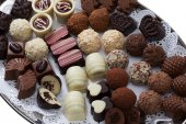 Appetizing chocolate candies assortment, close-up — Stock Photo