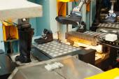 Manufacture of leather footwear in workshop — ストック写真