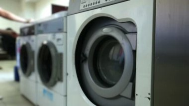 Washing machines in laundry room, close-up — ストックビデオ