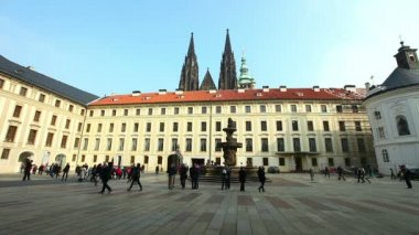 Historical Prague square and tourists — Stock Video