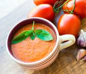 Чаша томатный суп Гаспачо — Стоковое фото