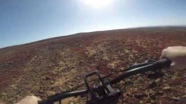 Bicyclist on the bike — Stockvideo