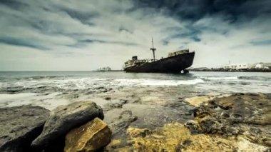 Sunken ship — Stock Video