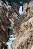 Wasserfall im Yellowstone Nationpark, Wyoming - USA — Stock Photo