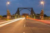 Streaks of light on the bridge — Stock Photo