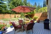 Backyard patio area with landscape — Stock Photo