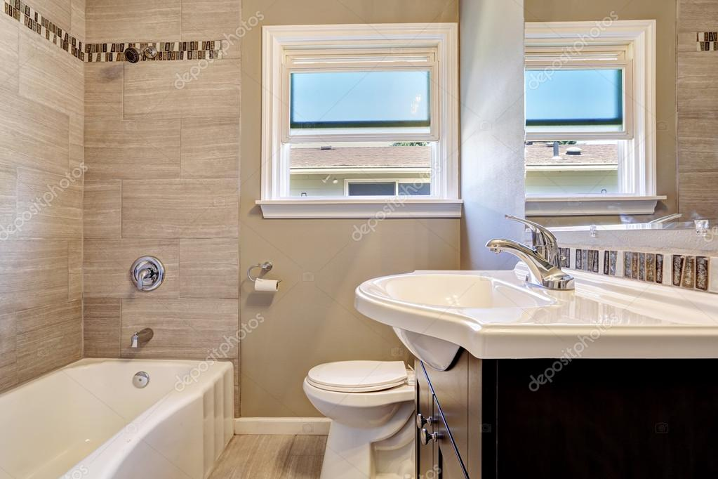Azulejos Baño Horizontal O Vertical:Soft Beige Tile Bathrooms