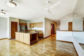 Empty studio. Apartment residential building in downtown Seatte — Stock Photo