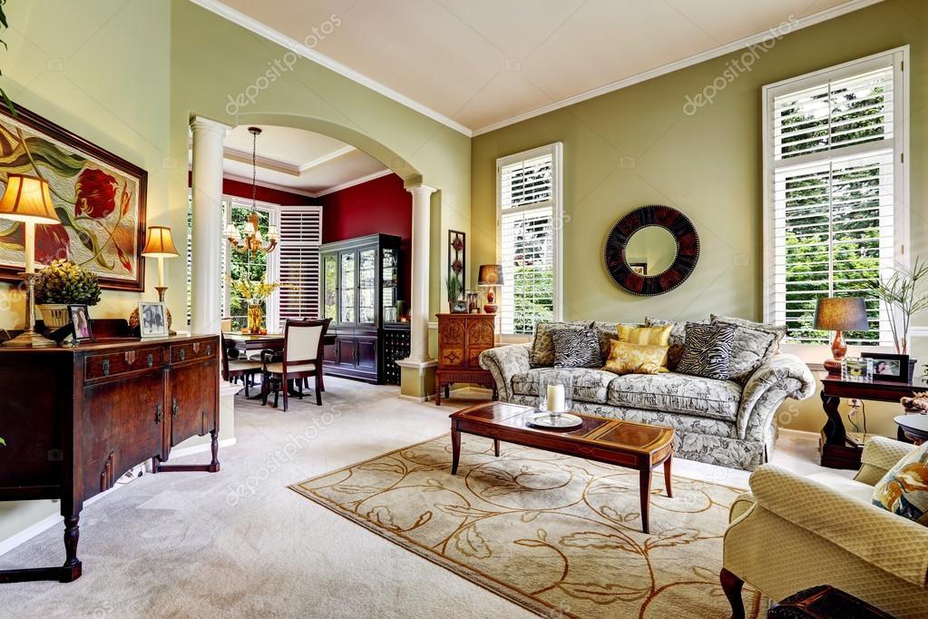luxus haus innen leichte gr ne familienzimmer stockfoto iriana88w 53998591. Black Bedroom Furniture Sets. Home Design Ideas