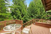 Deck de madera retirada con zona de patio — Foto de Stock