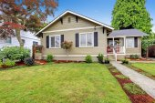 American house exterior with curb appeal — Stock Photo