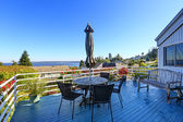 Walkout deck with patio area overlooking scenic bay view in Fede — Stock Photo
