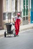Street Sweeper in Santa Clara, Cuba — Stock Photo