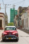 Old Chevrolet Parked in Santa Clara,Cuba — Stock Photo
