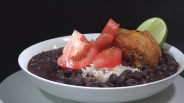 Traditional Cuban meal — Stock Video