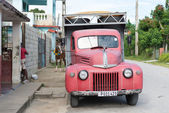 Old truck used for construction work — Zdjęcie stockowe