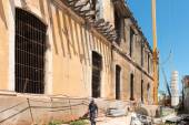 Reconstruction of the building in Cuba — Stock Photo