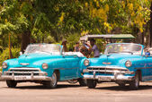 Old American cars in Havana — Stock Photo