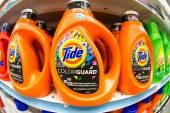 Tide Color Guard Laundry Detergent — Stock Photo