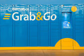 Grab and Go Lockers in Wallmart Superstore — Stock Photo