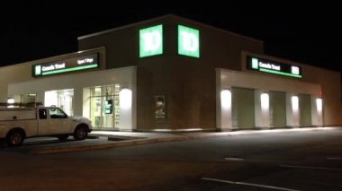 TD Bank at night scene — Wideo stockowe