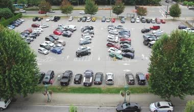 Time lapse shot of busy parking lot — Stock Video