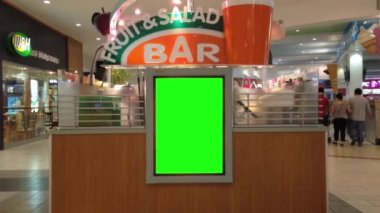 Green billboard for your in front of fruit bar — Stock Video