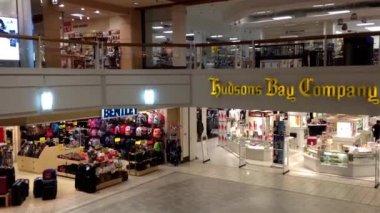 Un lato del centro commerciale a coquitlam bc canada. — Video Stock