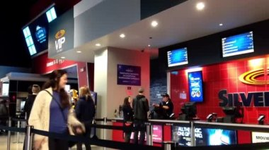 People line up for buying movie ticket at silvercity vip cineplex — Stock Video