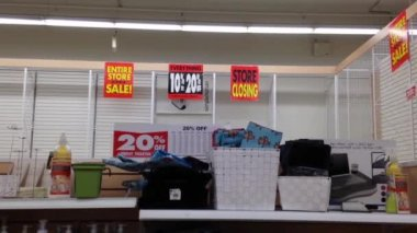 Closing sale item and sign — Stock Video