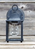 Vintage Outdoor Light on Weathered Wood — Foto de Stock