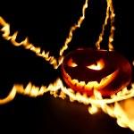 Burning halloween pumpkin — Stock Photo #55260287
