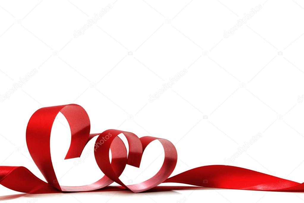 心形红丝带白色背景上孤立– 图库图片