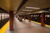 34th Street Subway Station platform — Stock Photo