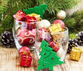 Festive Christmas Ornaments with Gifts and Balls — 图库照片