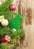 Christmas Tree Decoration with Balls and Gifts on Fir Tree — Stock Photo