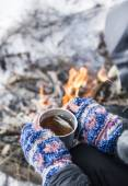 Hot Tea Outdoor near Fire Place — Stock Photo