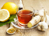 Lemon Tea with Ginger.Alternative Medicine — Stock Photo