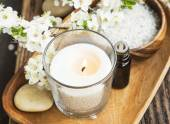 Scent Candle,Flowers and Essence Spa and Aromatherapy Setting — Stockfoto